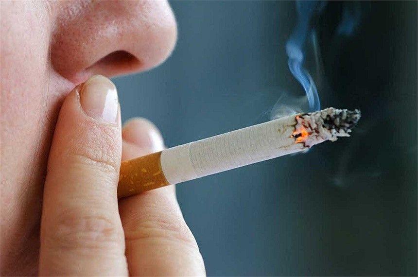 Hút thuốc lá trong quá trình bị ung thư dẫn tới cái chết nhanh hơn, và khả năng tái phát bệnh cao hơn.
