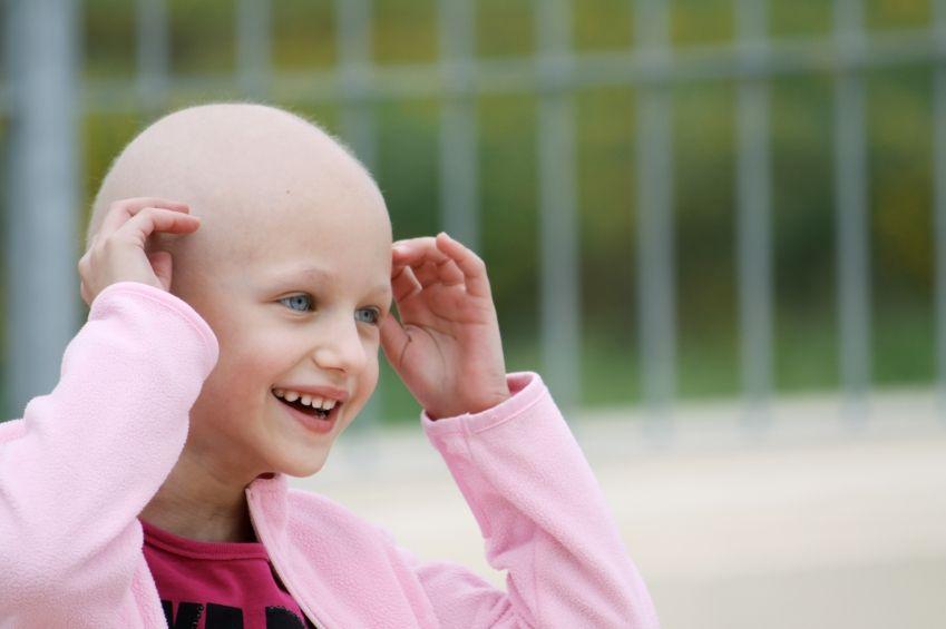 Rụng tóc sau hóa trị là biểu hiện thường gặp