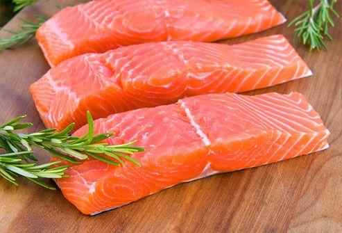 Thực phẩm nhiều đạm như cá cũng là một thực phẩm rất tốt cho người bị ung thư