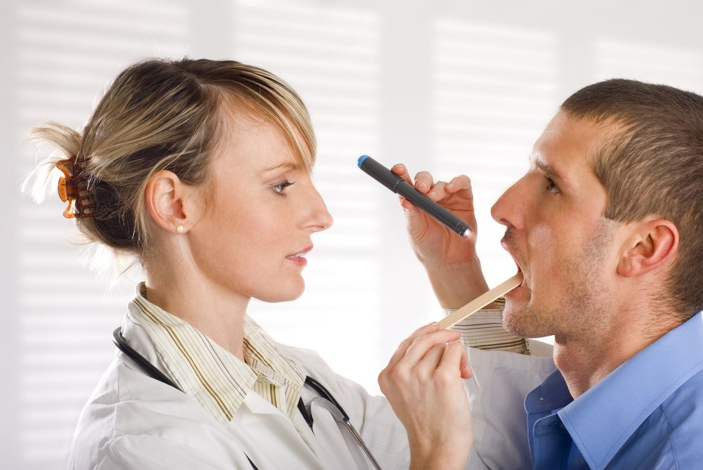 Nên đi khám họng định kỳ để phát hiện bệnh sớm