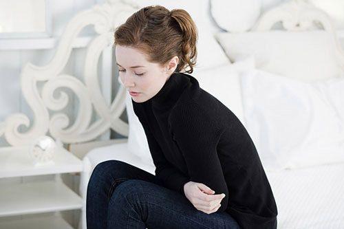 Đầy hơi thường xuyên hoặc thay đổi trong tiêu hóa cũng có thể là dấu hiệu cảnh báo ung thư buồng trứng
