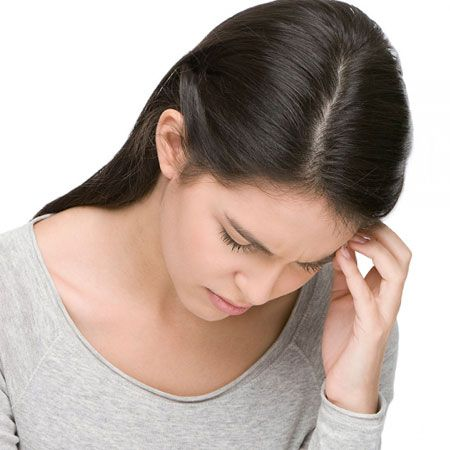 Cơn đau đầu của bệnh nhân ung thư bạch cầu thường kéo dài, dữ dội kèm cảm giác nhức nhối toàn thân