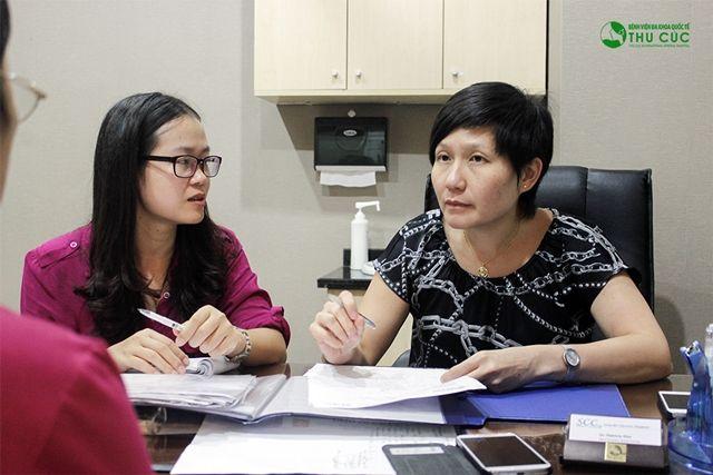 Bác sĩ Pactricia Kho - chuyên khoa y tế ung thư, Bệnh viện Đại học Quốc gia Singapore, chuyên điều trị các bệnh ung thư phụ khoa tại Bệnh viện Thu Cúc.