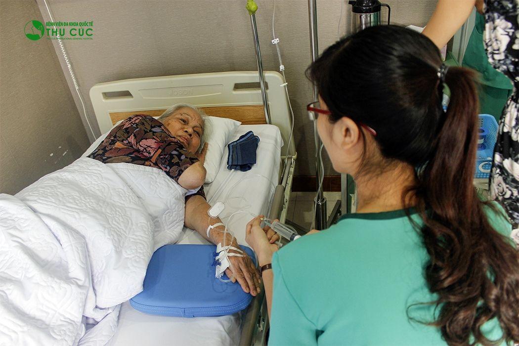 Bệnh nhân ở BV Thu Cúc được chăm sóc tận tình, chu đáo bởi đội ngũ y tá, điều dưỡng có chuyên môn tốt