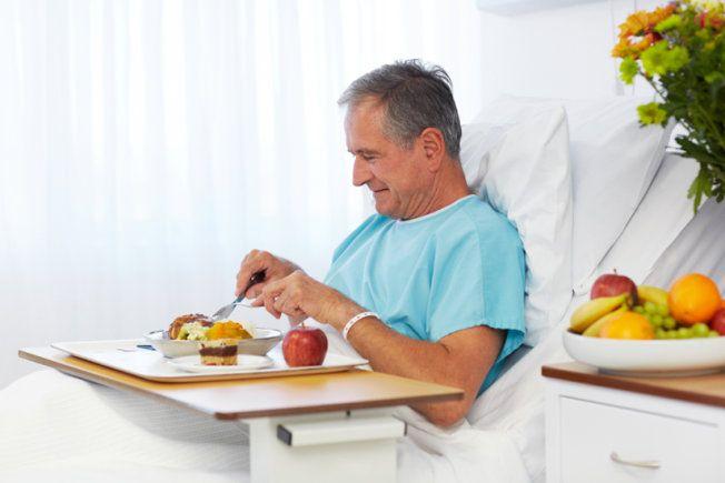Bệnh ung thư và các phương pháp điều trị ung thư gây nhiều ảnh hưởng tiêu cực đến dinh dưỡng của người bệnh.