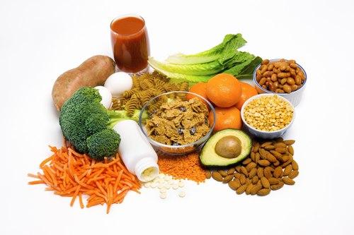 Nên chọn thức ăn đảm bảo vệ sinh để tránh lây nhiếm vi khuẩn HP.