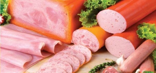 Nên hạn chế ăn các loại thịt chế biến sẵn để ngăn ngừa khả năng lâu ung thư.