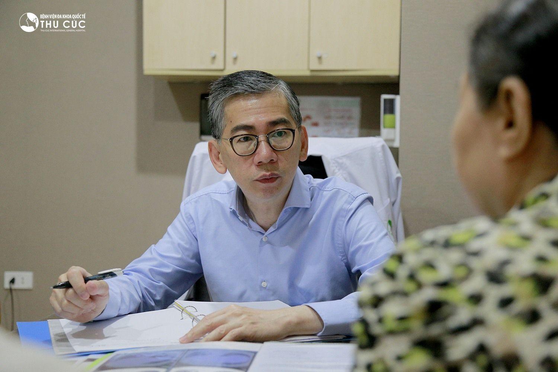 TS.BS Lim Hong Liang nổi tiếng trong điều trị các bệnh ung thư đầu, mặt, cổ, trong đó có ung thư vòm họng.