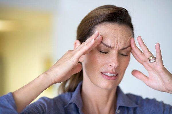 Hoa mắt, chóng mặt, đau đầu... cũng có thể là triệu chứng cảnh báo ung thư tuyến ức.