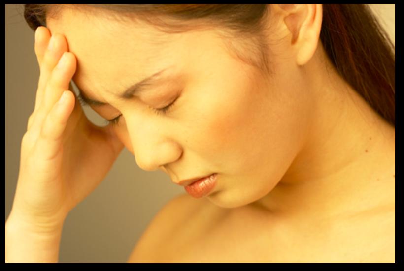 Khối u ở tá tràng có thể làm tắc túi ampulla, gây hiện tượng vàng da song song với hiện tượng đau bụng. Khối u ở vùng bụng lúc này có thể đã phát triển khá lớn và xâm lấn sang các tổ chức lân cận. Thậm chí, bác sĩ có thể sờ thấy cục u ở vùng bụng nếu bệnh đã bước sang giai đoạn cuối.