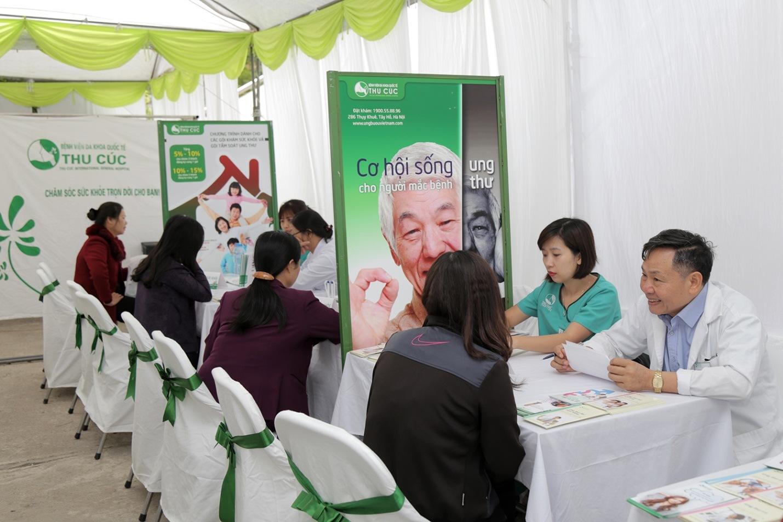 Đội ngũ bác sĩ giỏi chuyên môn, giàu kinh nghiệm khám và tư vấn sức khỏe cho người dân