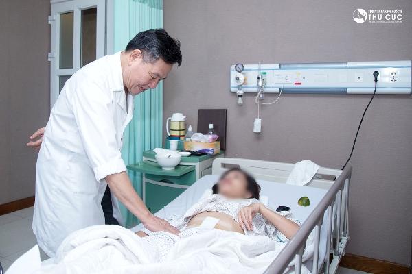 Phẫu thuật thành công ung thư đại tràng giai đoạn III