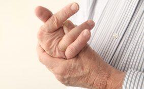 Phát hiện ung thư phổi muộn do bị chẩn đoán nhầm là viêm khớp