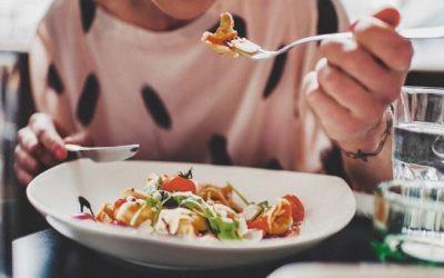 Người bệnh cần mở hậu môn nhân tạo nên ăn uống như thế nào?