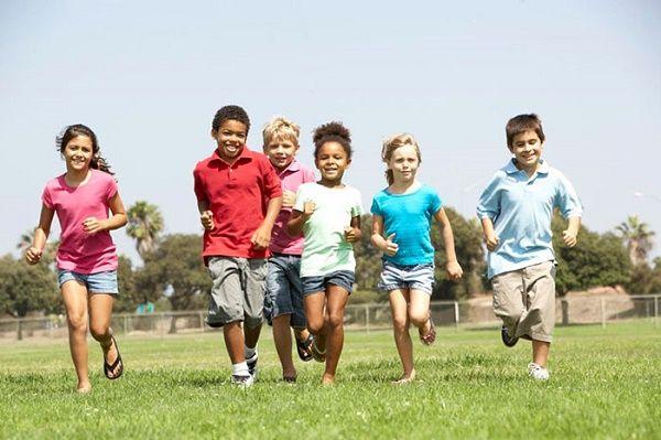 Trẻ em hoạt động thể chất giúp giảm nguy cơ tim mạch và ung thư sau này