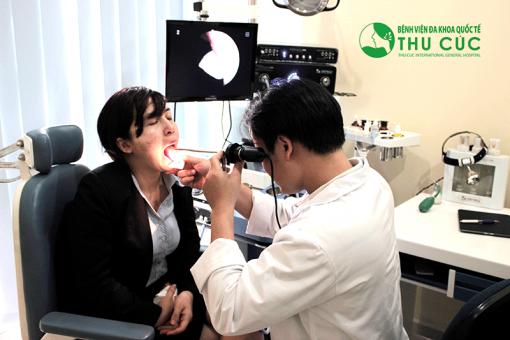 Nội soi tai mũi họng cho phép các bác sĩ quan sát được những tổn thương và dấu hiệu bất thường ở toàn bộ vùng vòm họng