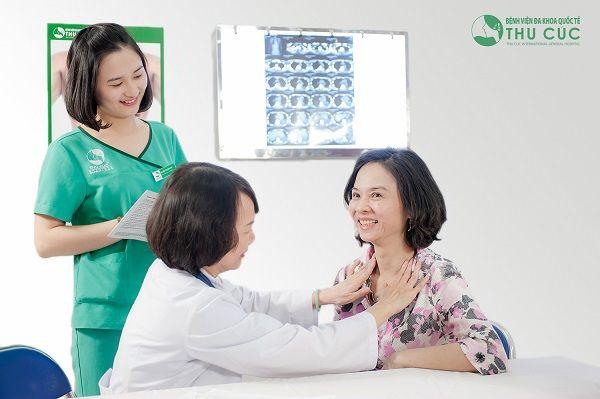 Người bệnh cần đi khám để bác sĩ thăm khám kỹ lưỡng và chỉ định các xét nghiệm, kiểm tra cần thiết