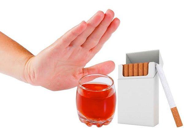 Khi bị ung thư phổi, người bệnh cần kiêng thuốc lá và bia rượu