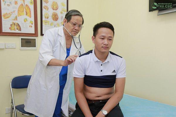 Người bệnh cần đi khám và tuân thủ theo đúng phương pháp điều trị của bác sĩ để có phương pháp chữa trị phù hợp