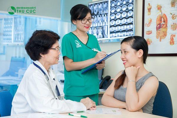 Người bệnh nên đi khám để được bác sĩ chẩn đoán chính xác tình trạng sức khỏe và có biện pháp điều trị phù hợp