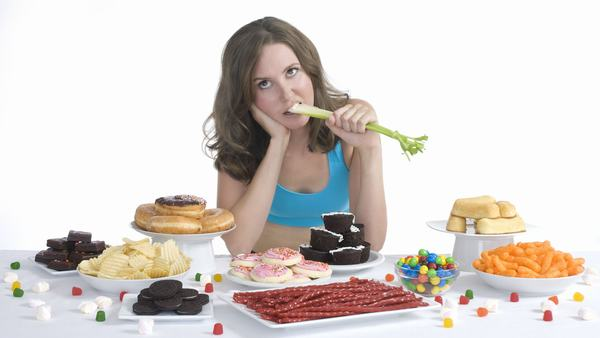 Chế độ ăn uống không khoa học làm tăng nguy cơ bị trào ngược dạ dày