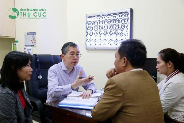 TƯ VẤN ĐIỀU TRỊ UNG THƯ TRỰC TIẾP VỚI TS.BS LIM HONG LIANG THÁNG 12/2017