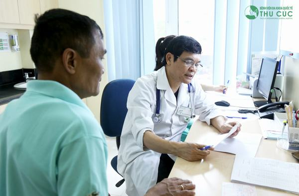 Người bệnh cần đi khám để có phương pháp điều trị men gan tăng cao phù hợp