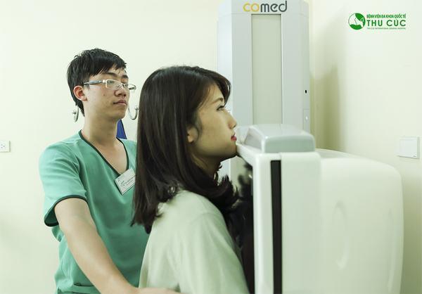 Người bệnh cần đi khám, chụp X-quang tuyến vú để chẩn đoán chính xác bệnh