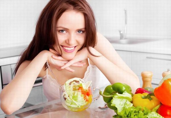 Thay đổi chế độ ăn uống khoa học sẽ giúp cải thiện tình trạng bệnh