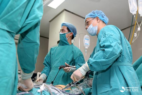 Phẫu thuật là phương pháp thường được chỉ định trong điều trị thủng dạ dày