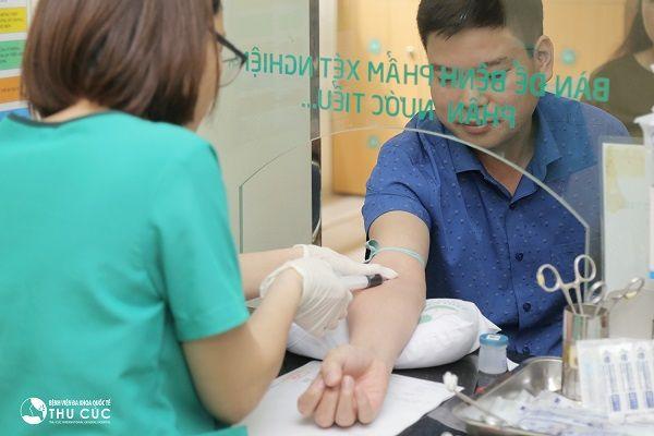 Người bệnh cần đi khám để phát hiện và điều trị sớm ngay từ khi mới mắc bệnh để tránh biến chứng nguy hiểm (ảnh minh họa)