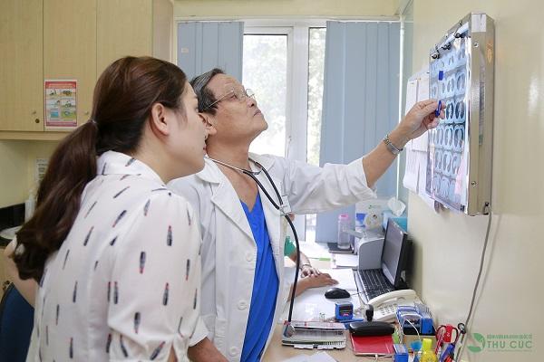 Người bệnh cần đi khám để bác sĩ chẩn đoán chính xác tình trạng sức khỏe và có biện pháp điều trị phù hợp