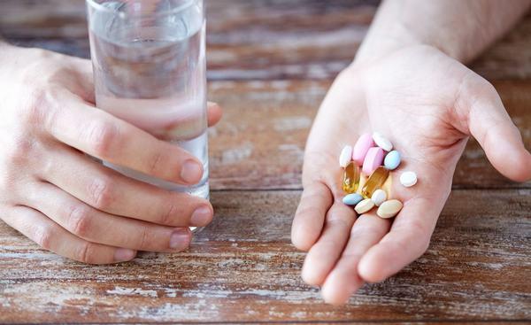 Để chữa viêm đại tràng người bệnh cần phải sử dụng thuốc (theo chỉ định của bác sĩ)
