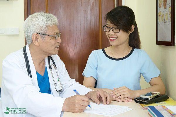 Người bệnh cần thông báo với bác sĩ về các loại thuốc đang sử dụng trước khi tiến hành nội soi dạ dày