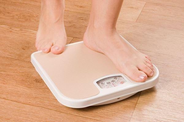 Người bệnh bị ung thư phổi có thể có triệu chứng sụt cân nghiêm trọng không lý do