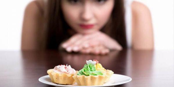 Người bệnh viêm đại tràng cần kiêng đồ ngọt và những thực phẩm nhiều dầu mỡ