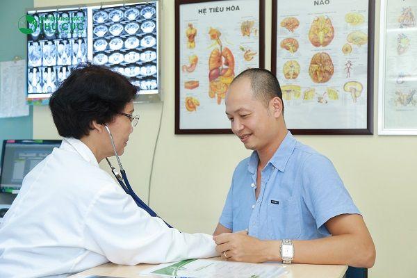 Người bệnh cần đi khám để có thuốc chữa viêm dạ dày phù hợp, hiệu quả