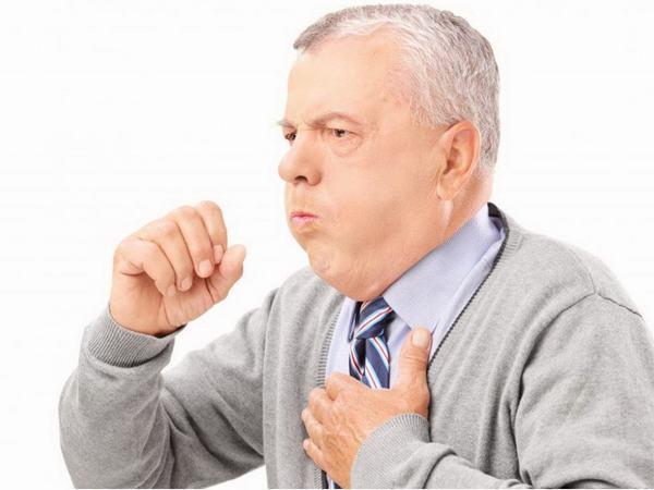 Các triệu chứng viêm phế quản thường gặp là ho, khó thở, tức ngực kéo dài
