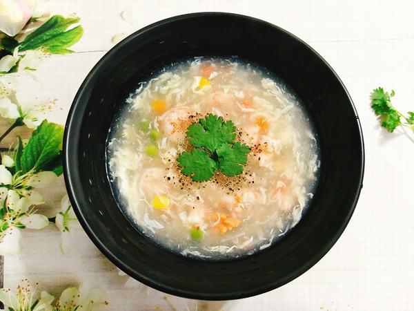 Các món canh hoặc súp cũng là thực đơn phù hợp cho người bệnh xuất huyết dạ dày