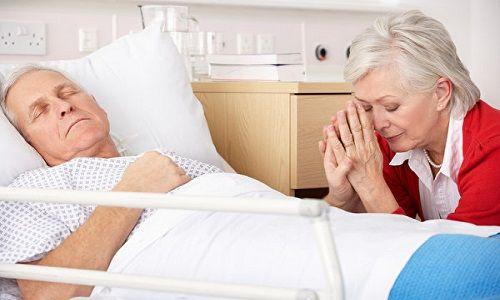 Độ tuổi càng cao, nguy cơ ung thư càng lớn