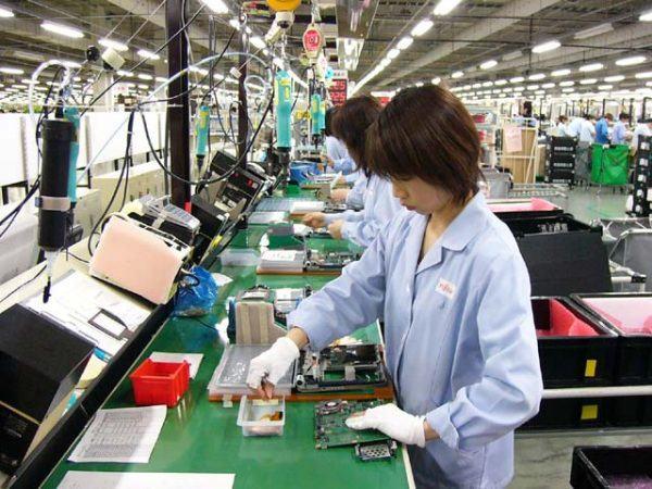 Công nhân làm việc trong nhà máy hóa chất cũng dễ mắc bệnh ung thư