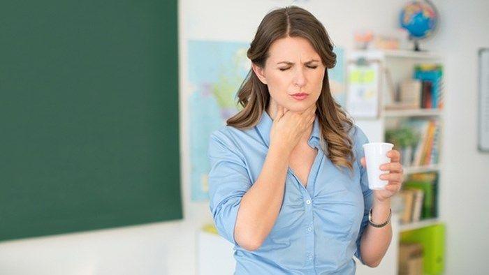 Khó nuốt là một trong những triệu chứng điển hình xuất hiện ở khoảng 74% ca mắc ung thư thực quản