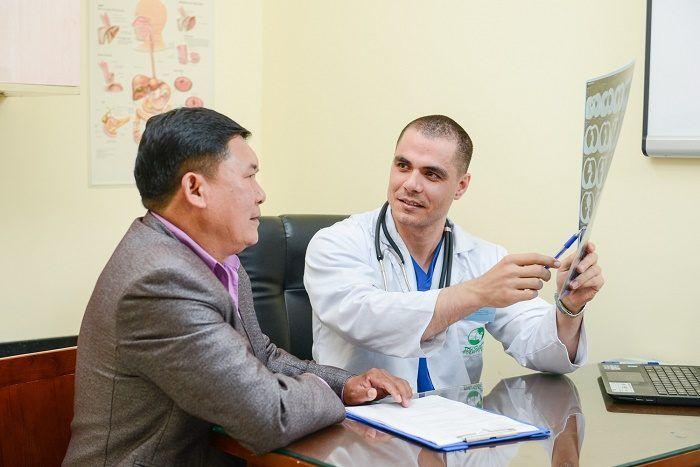Tưởng viêm khớp hóa ra ung thư phổi