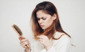 Bị ung thư phổi có rụng tóc không?