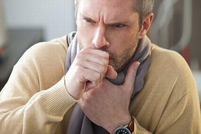 Ho dai dẳng là một trong 10 dấu hiệu của bệnh ung thư phổi không nên coi thường