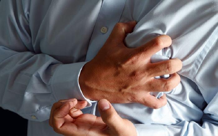 Người bệnh ung thư phổi sẽ gặp phải tình trạng đau tức ngực, đau xương