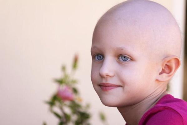 trẻ bị ung thư phổi