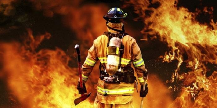 Nhân viên cứu hỏa