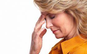 Phụ nữ càng lớn tuổi càng đối mặt với nguy cơ ung thư cao