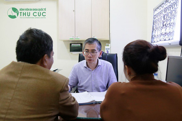 https://ungbuouvietnam.com/wp-content/uploads/2018/11/dieu-tri-ung-thu-phoi-o-dau-min.jpg